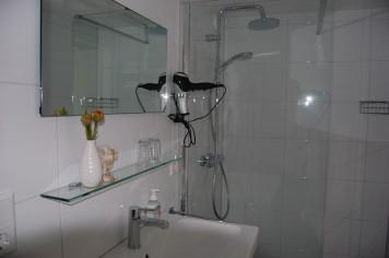 Lelymarelogies De Schelp badkamer
